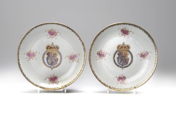 15: China, Paar Zierteller, um 1760