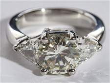 Stunning 2.0 carat diamond and platinum ring, round