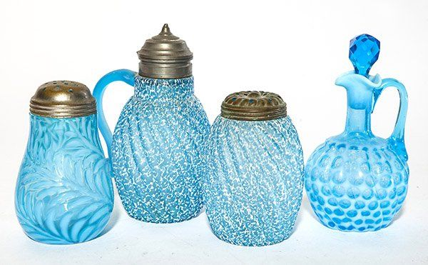 Four pieces of Victorian tableware in blue including a