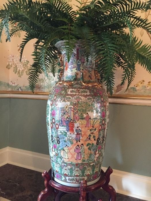 Tall Asian-style floor vase - 2