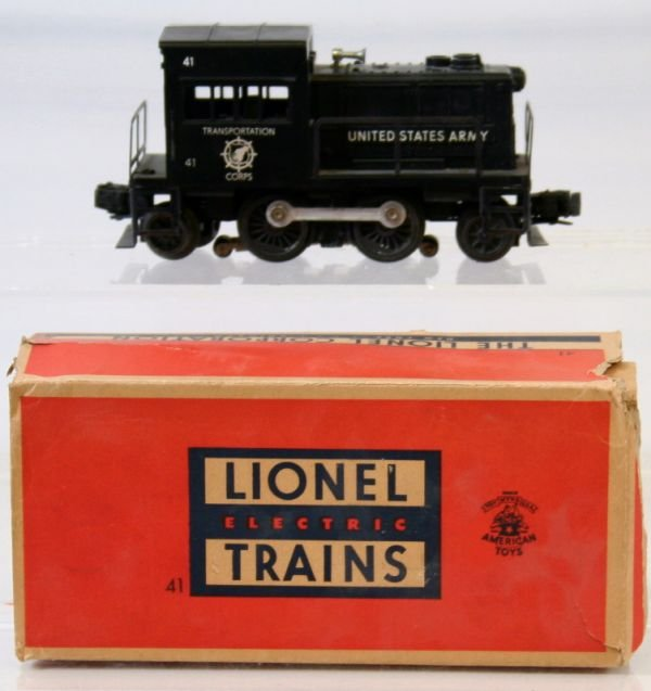 18: LIONEL POSTWAR 41 ARMY SWITCHER