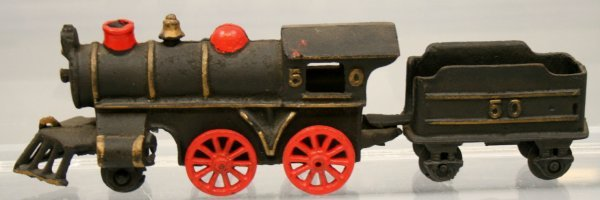 23: CAST IRON ENGINE & TENDER
