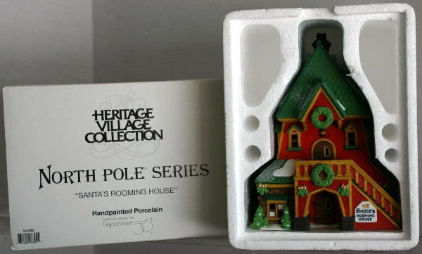 9: DEPT 56 NORTH POLE SERIES SANTA'S ROOMING HOUSE 5638