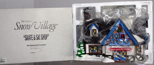 14: DEPT 56 SNOW VILLAGE SKATE & SKI SHOPSHOP 5467-4