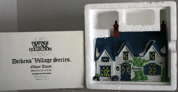 18: DEPT 56 DICKENS VILLAGE OLIVER TWIST BROWNLOW HOUSE