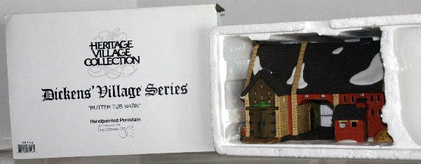 23: DEPT 56 DICKENS VILLAGE BUTTER TUB BARN 5833-8