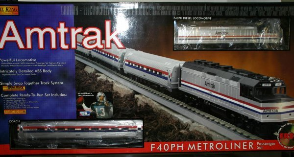 713: MTH AMTRAK F40PH PASSENGER SET. Box: YES Stock#: 3