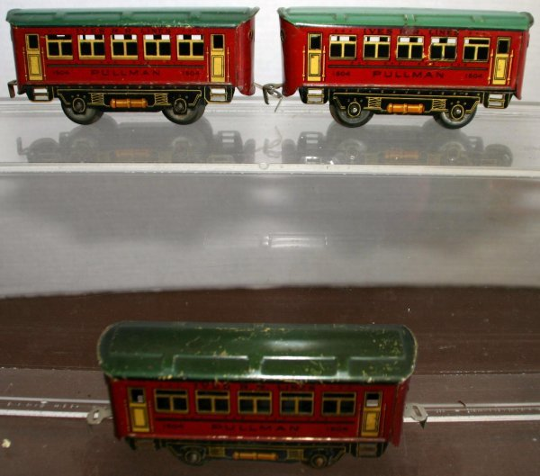 290: THREE IVES 1504 TIN LITHO COACHES. Condition: Good
