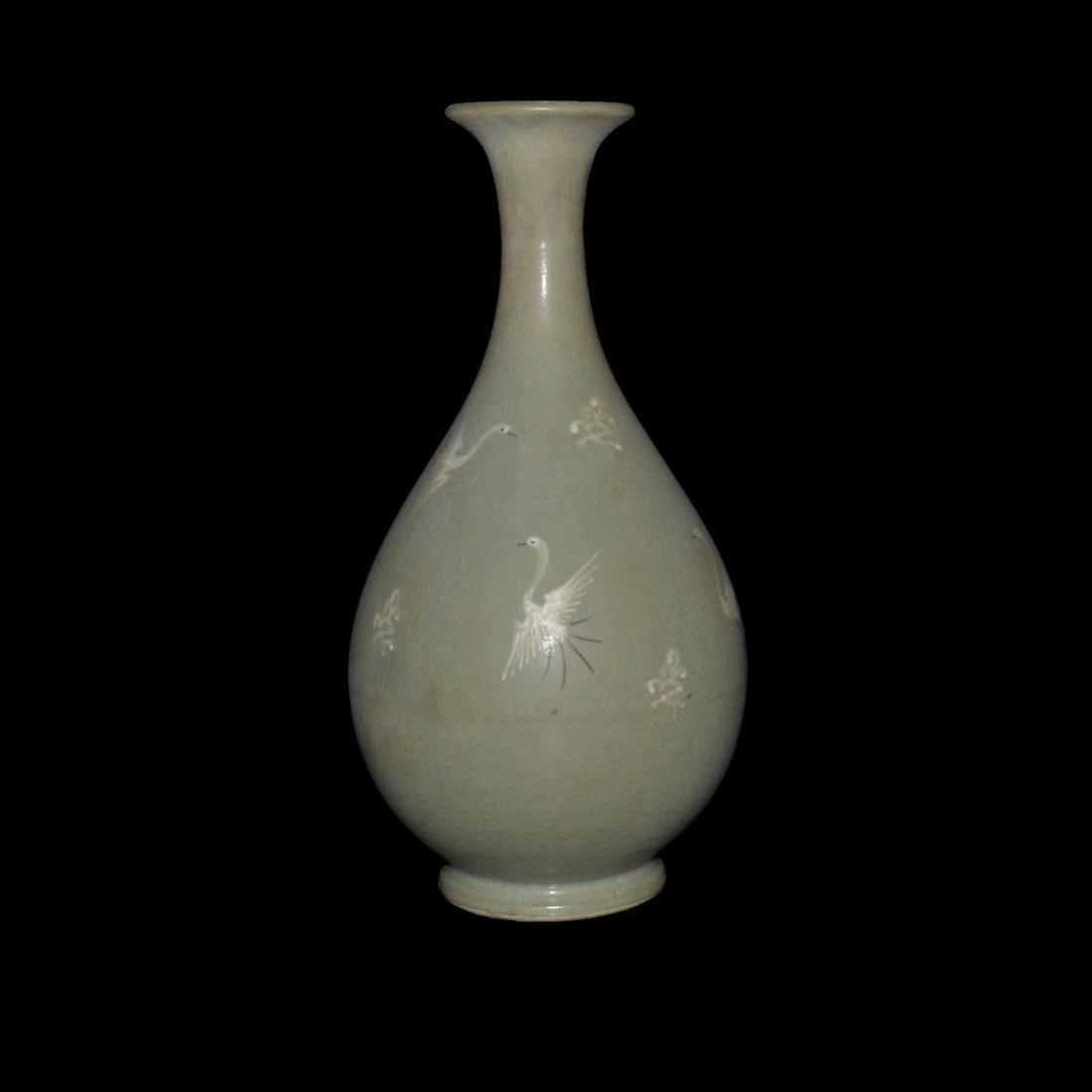 Korean 19th C, Celadon-glazed Yuhuchunping with Cranes