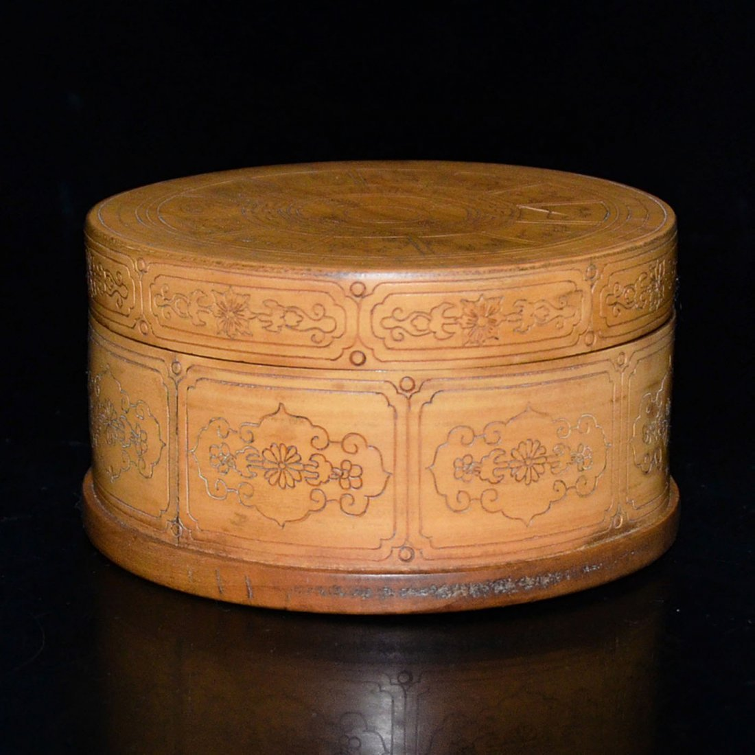 Bamboo Box with Twelve Zodiac Signs and Cover