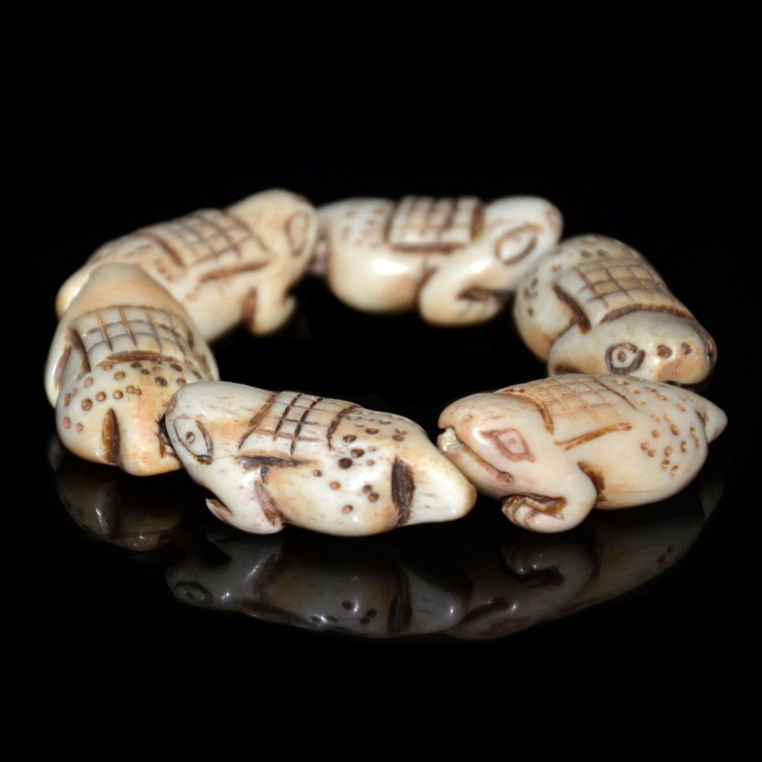 Qing, Bone Carved Toad-Form Bead Bangle - 2