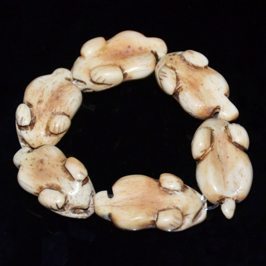 Qing, Bone Carved Toad-Form Bead Bangle - 3