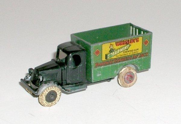 22: TOOTSIETOY MACK RAILWAY EXPRESS CO. WRIGLEY'S TRUCK