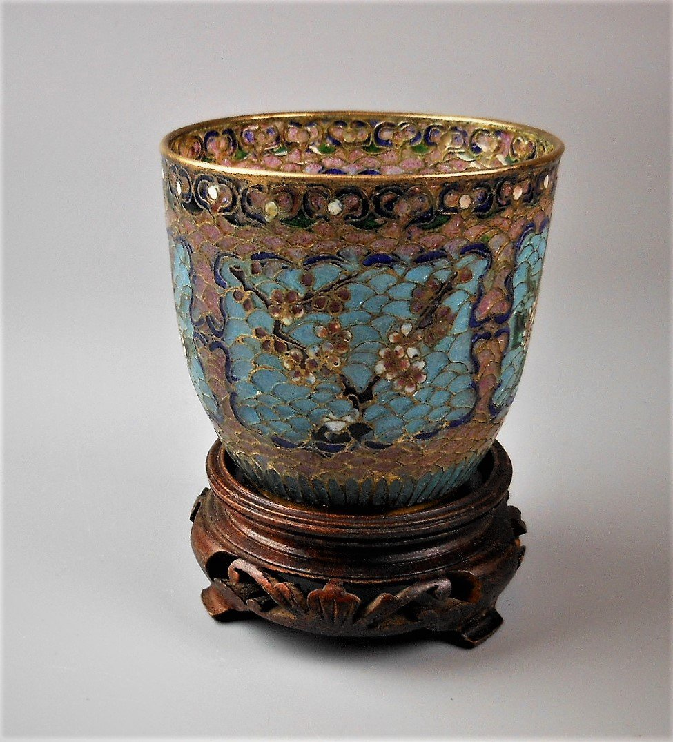 A Chinese cloisonné cup