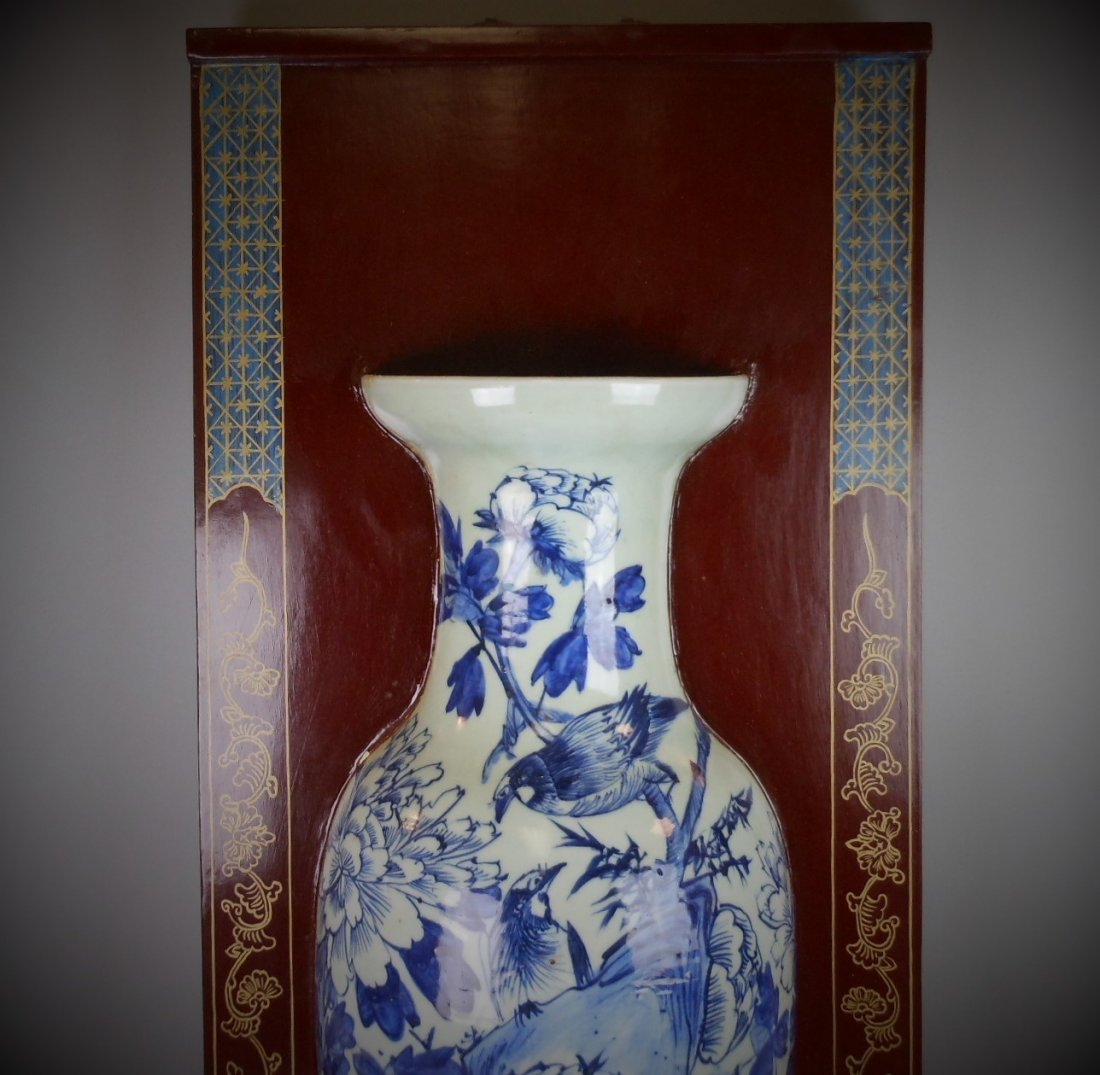 A Chinese Qing dynasty blue and white porcelain vase of - 2