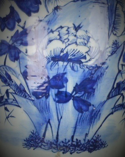 A Chinese Qing dynasty blue and white porcelain vase of - 3