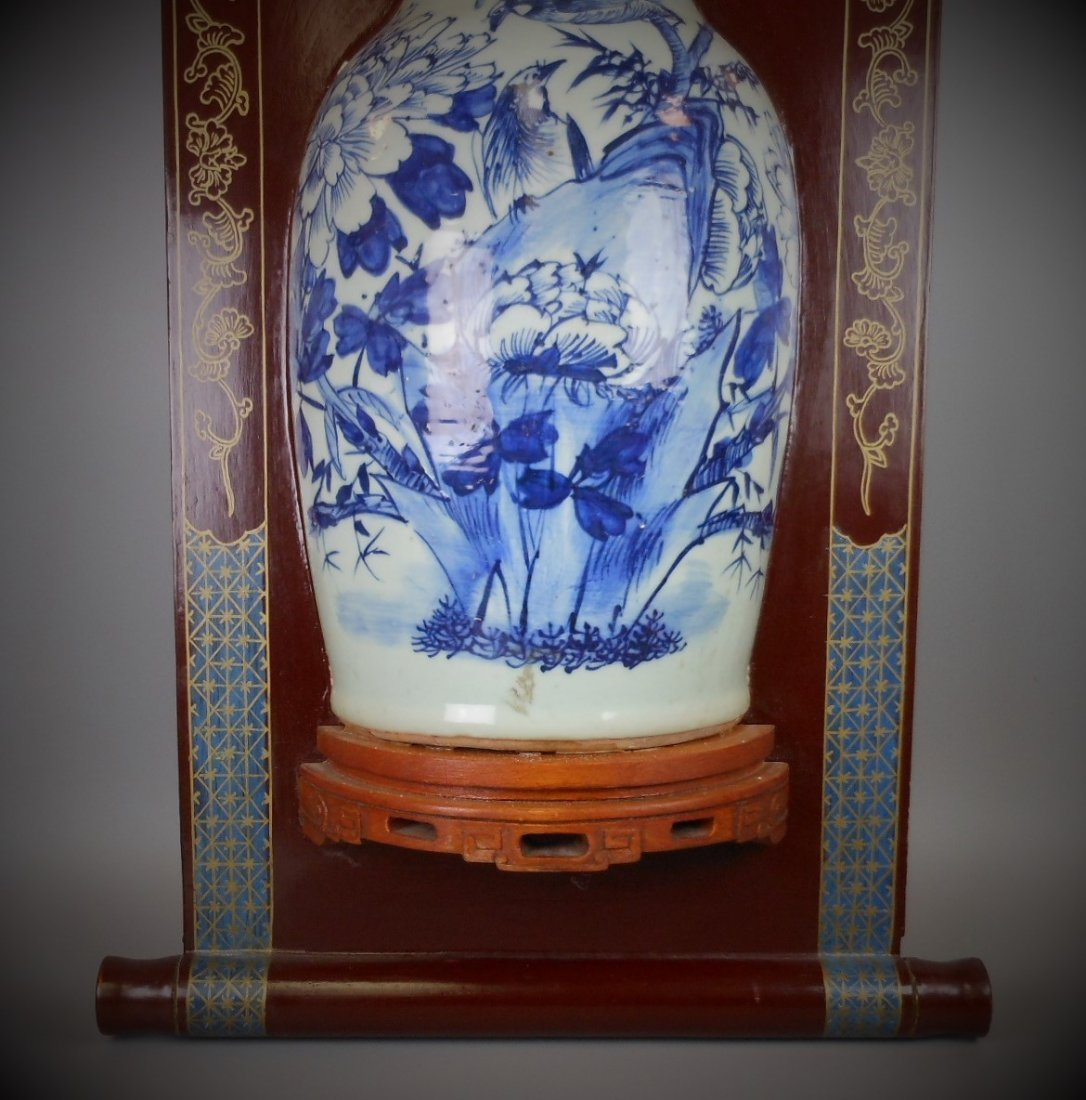 A Chinese Qing dynasty blue and white porcelain vase of - 5