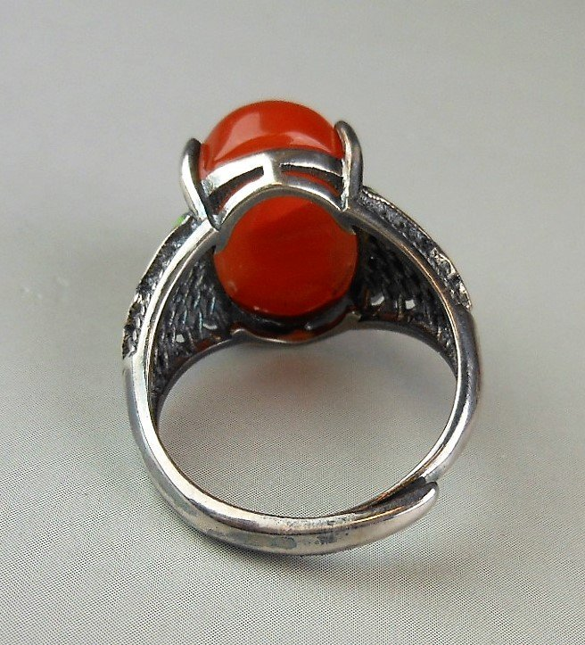 A Chinese red agate silver ring - 4