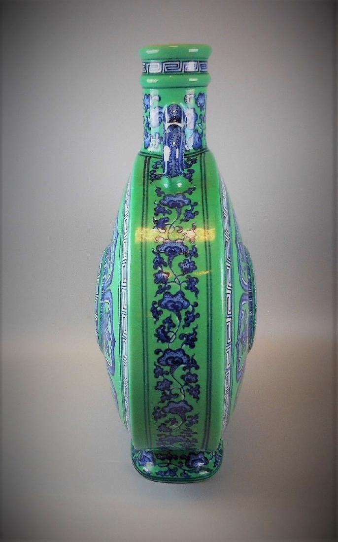 A Chinese Qing dynasty blue and white with green glazed - 2