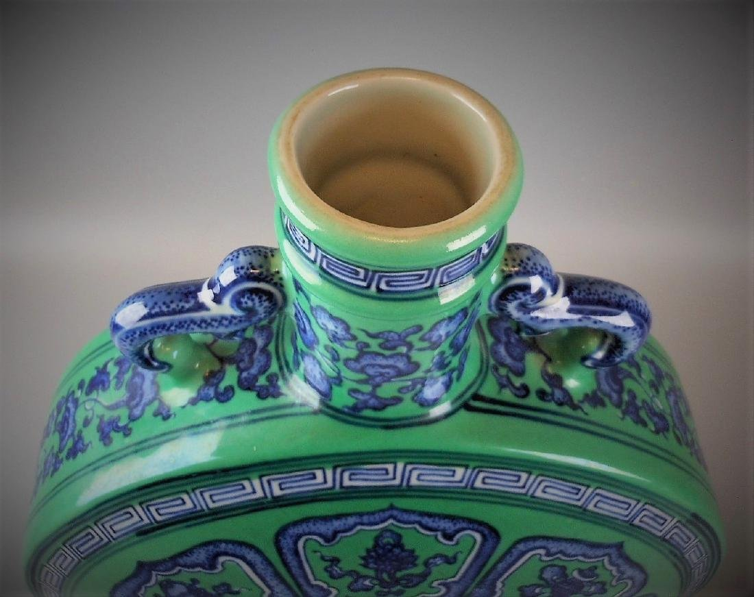 A Chinese Qing dynasty blue and white with green glazed - 4