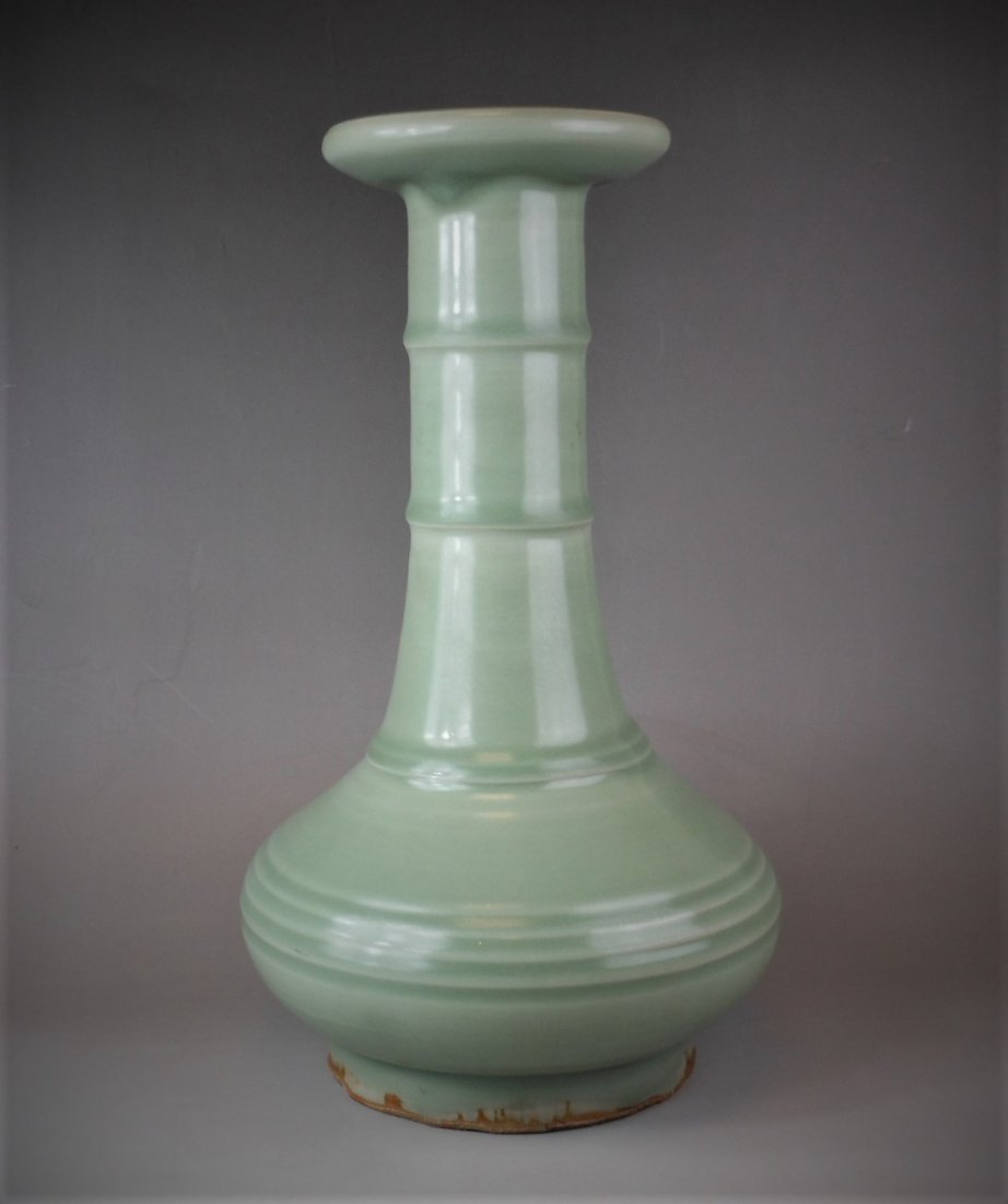 A Chinese Longquan-yao celadon porcelain vase
