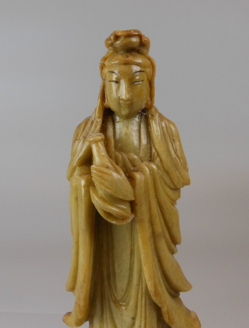 A Chinese soapstone carved Guanyin - 4