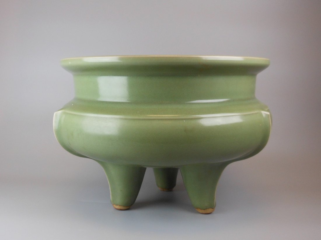 A large Chinese ming-dynasty longquan censer