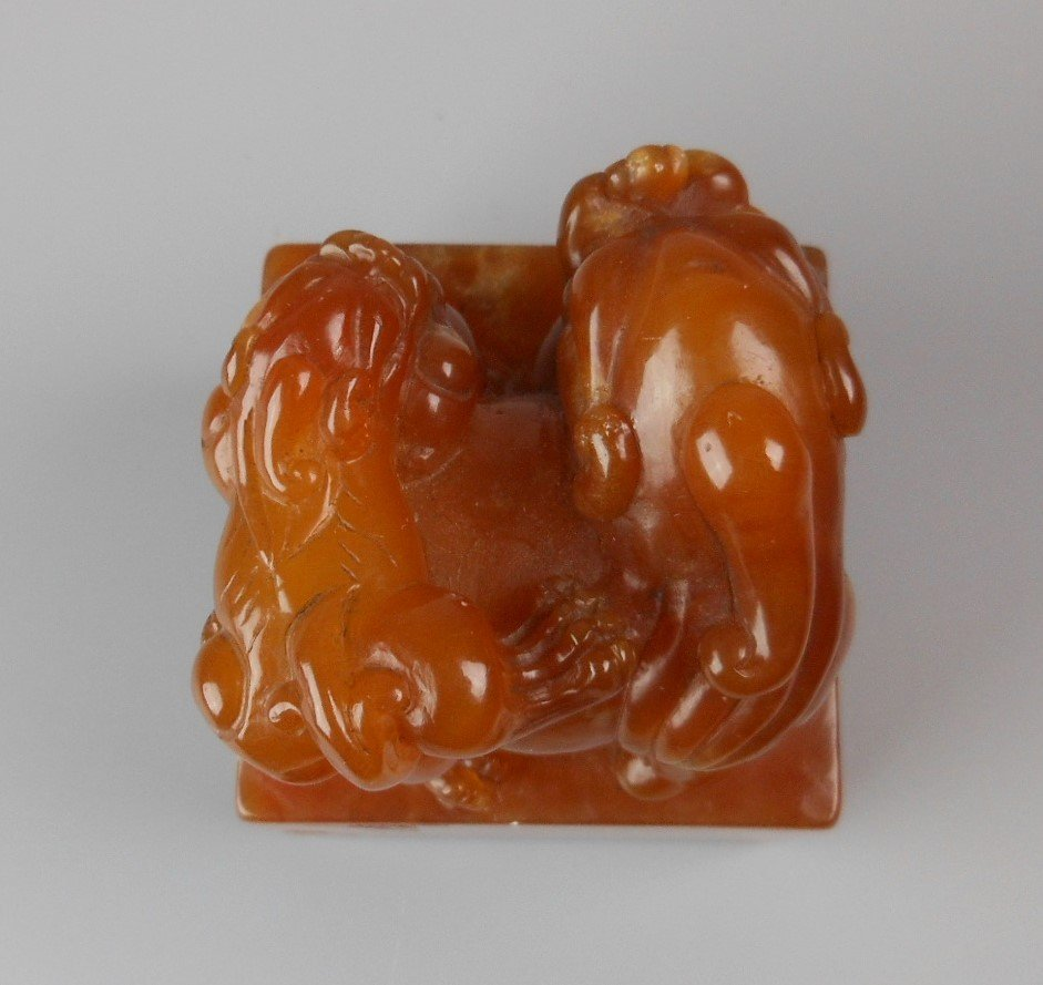 A Chinese tianhuang carved two lions seal - 4