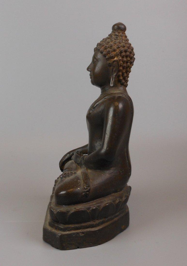 A Chinese antique bronze Buddha - 3