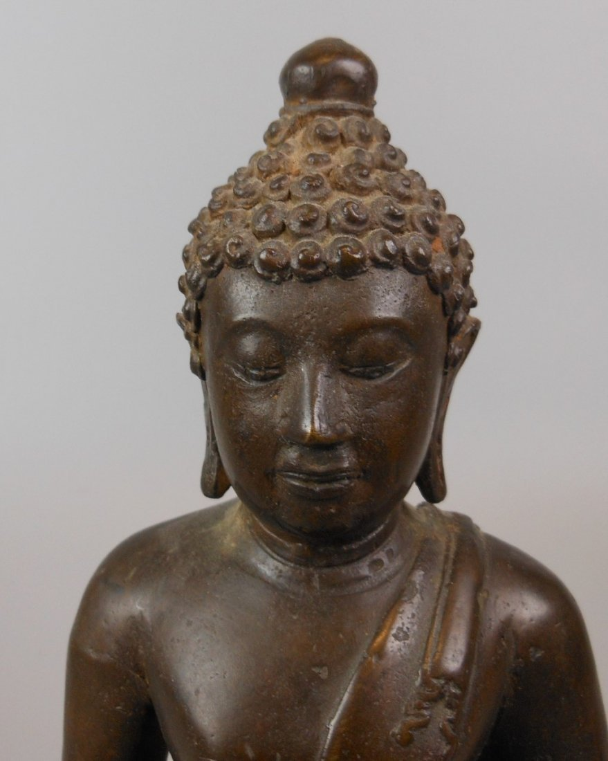 A Chinese antique bronze Buddha - 5