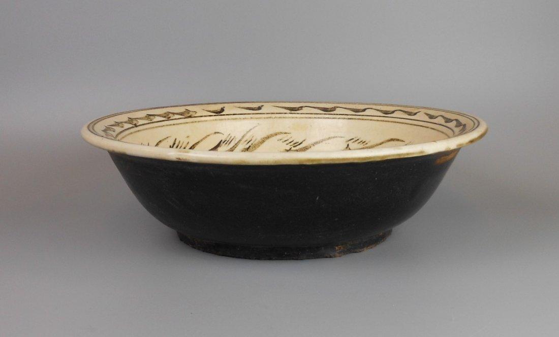 A Chinese yuan-dynasty cizhou-yao porcelain bowl