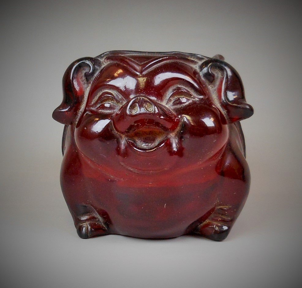 A Chinese carved amber brush pot - 3