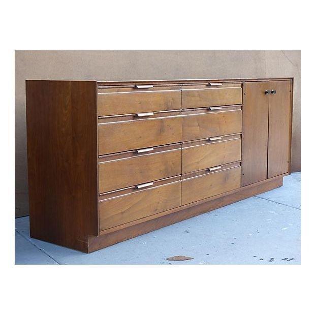1960's American of Martinsville Dresser - 2