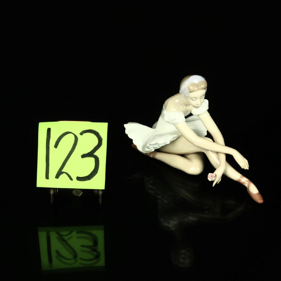 Lladro Ballerina Girl $5919 Rose Ballet