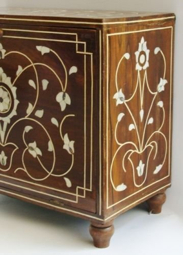 Islamic Ottoman Trunk  Inlaid with Mother-of-Pearl. - 4
