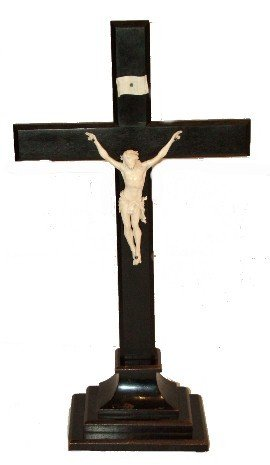 90: 19th Century Rosewood & Finely Carved Crucifix