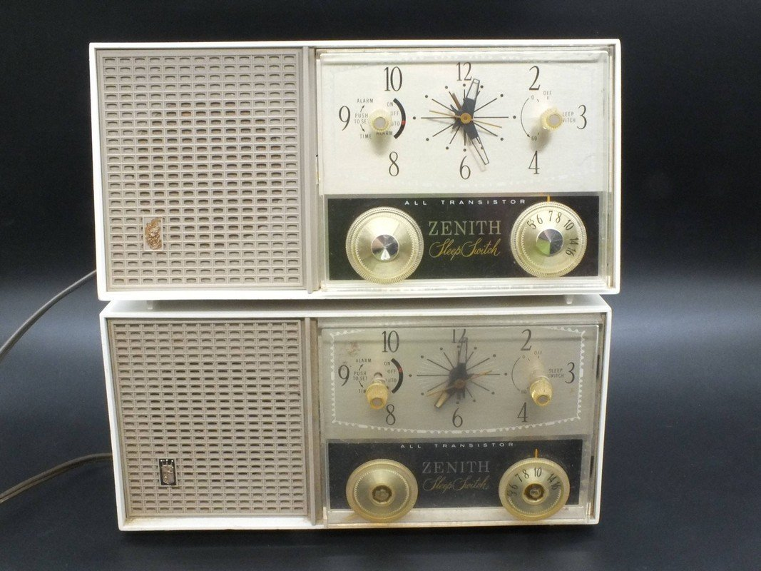 Zenith Sleep Switch All Transistor Radio Model M875W