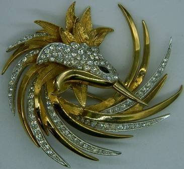 Boucher Swirled Bird Brooch - 3