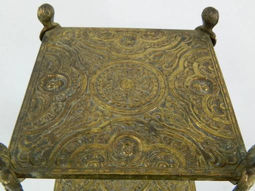 Vintage Cherub Three Tier Brass Shelf Table With Art - 4