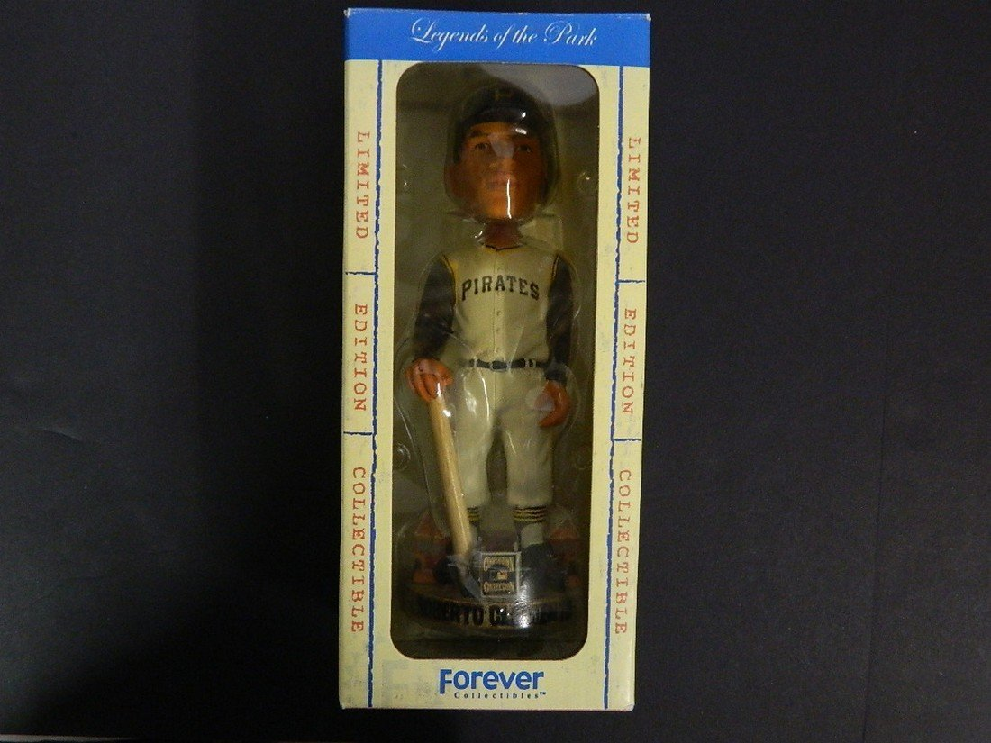 Roberto Clemente Bobble Legends of The Park