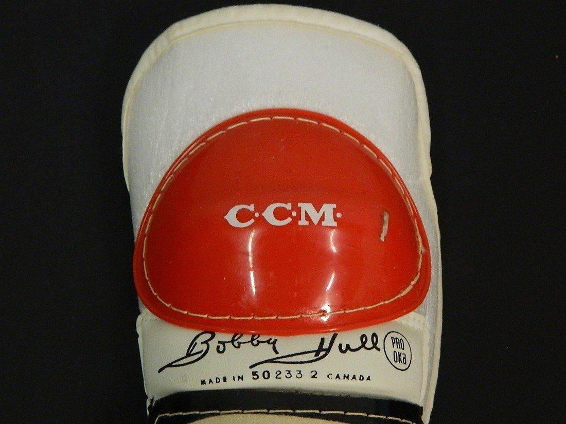 Vintage C.C.M. Bobby Hull Pro-Gard Shin Guard - 5