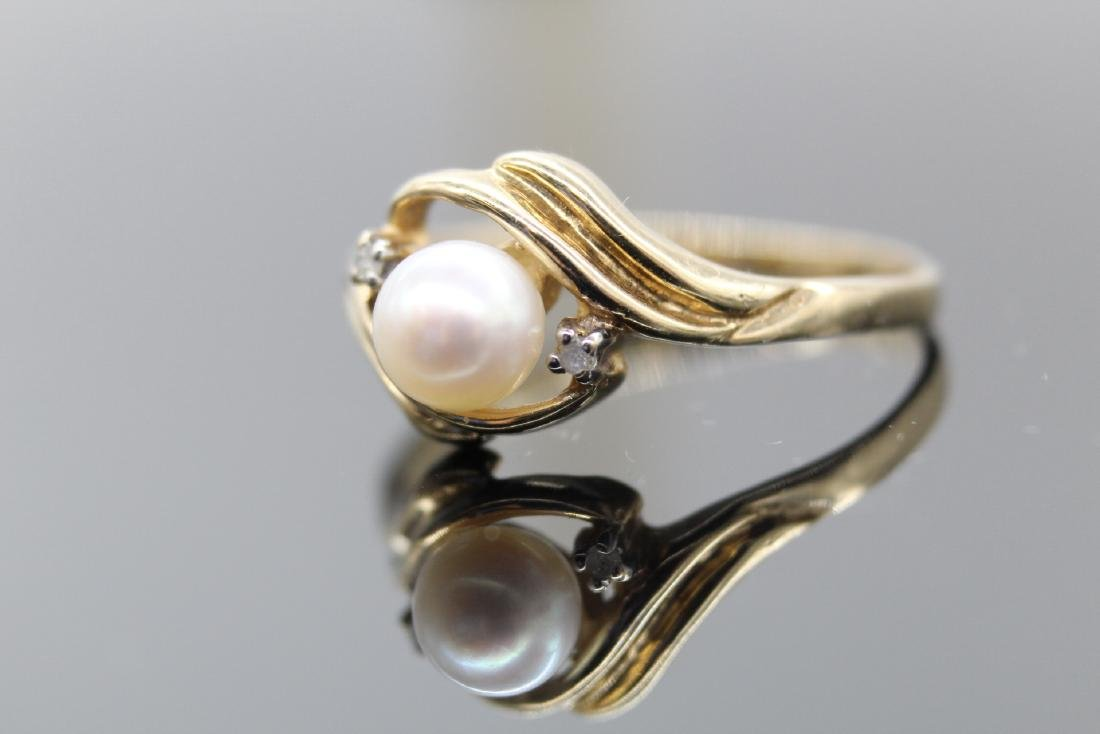 10K Yellow Gold Pearl & Diamond Ring