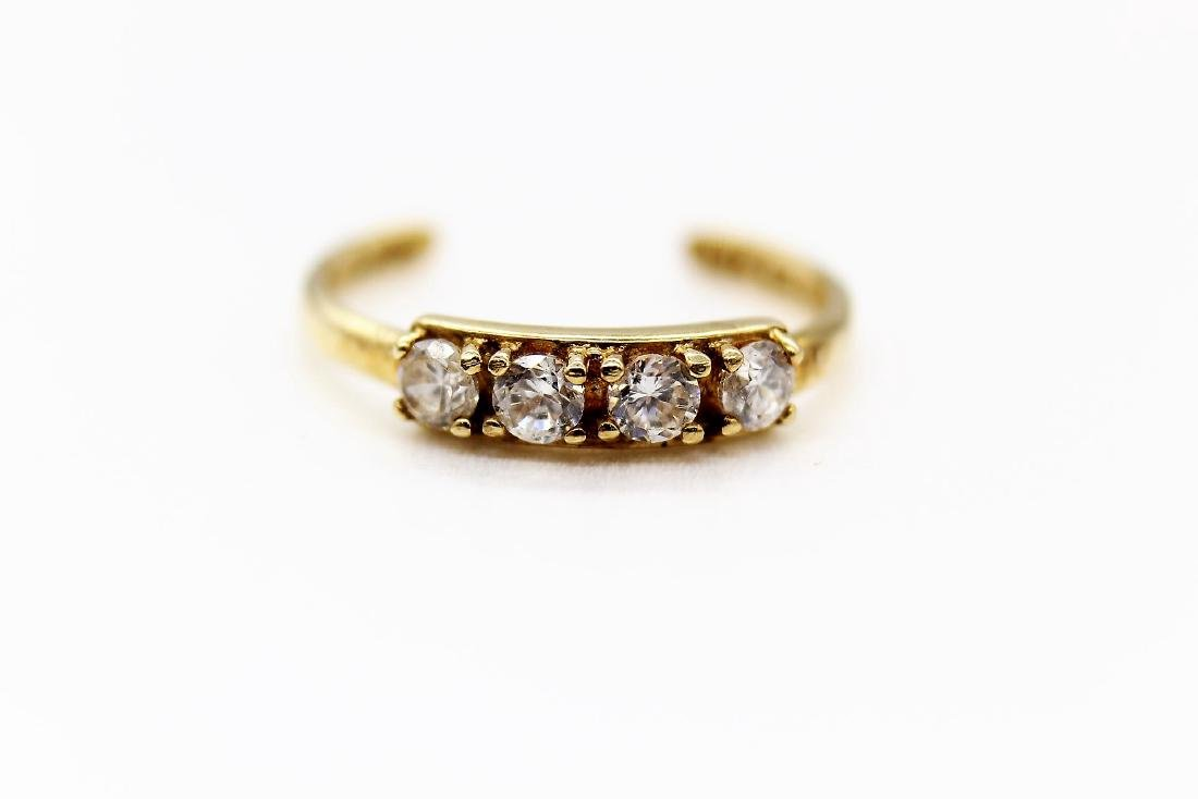 10K Yellow Gold & White Topaz Toe Ring