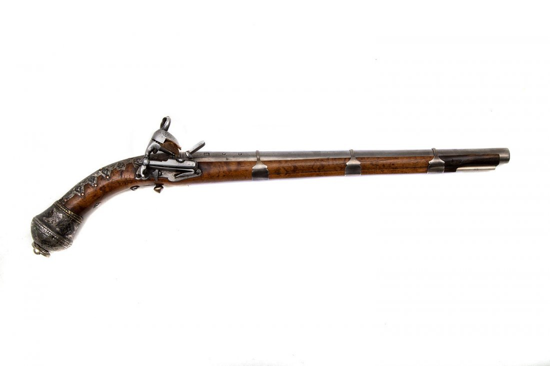 GEORGIAN, CAUCASIAN FLINTLOCK PISTOL WITH SILVER 19 C.