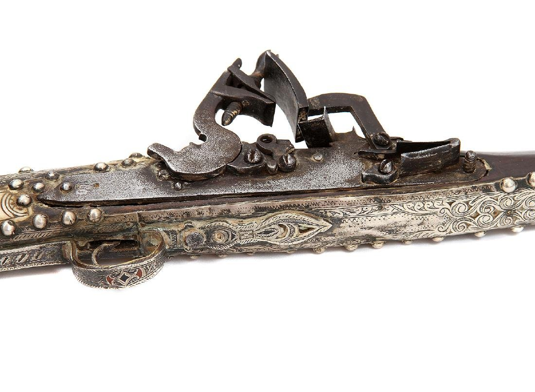 19TH C. MOROCCAN SNAPHAUNCE RIFLE IN SILVER MOUNTS - 5