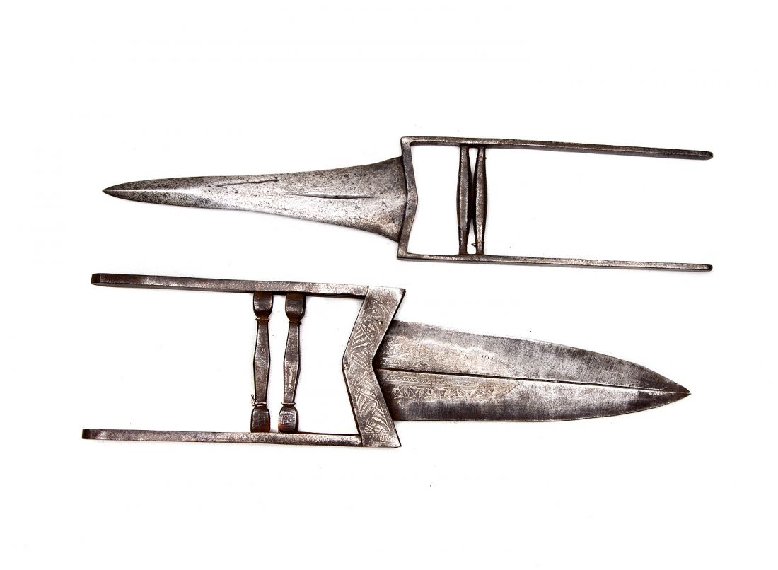 A SET OF TWO INDIAN KATAR DAGGERS, 19TH CEN.