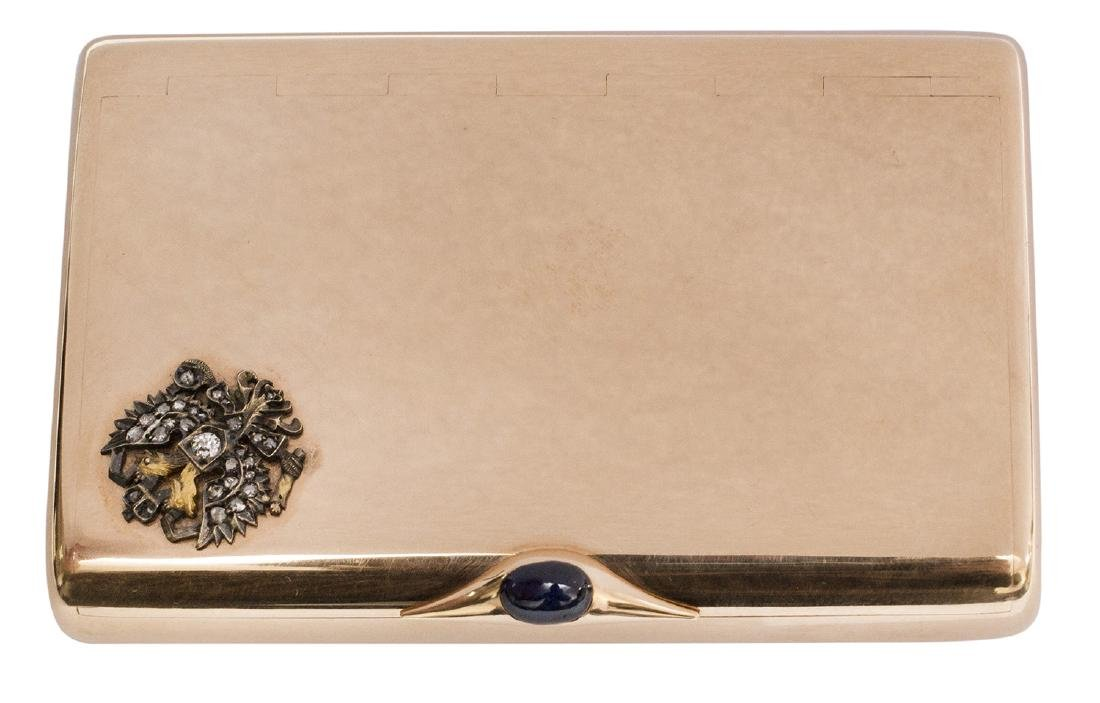 AN EXTREMELY RARE SOLID GOLD CIGARETTE CASE, A GIFT