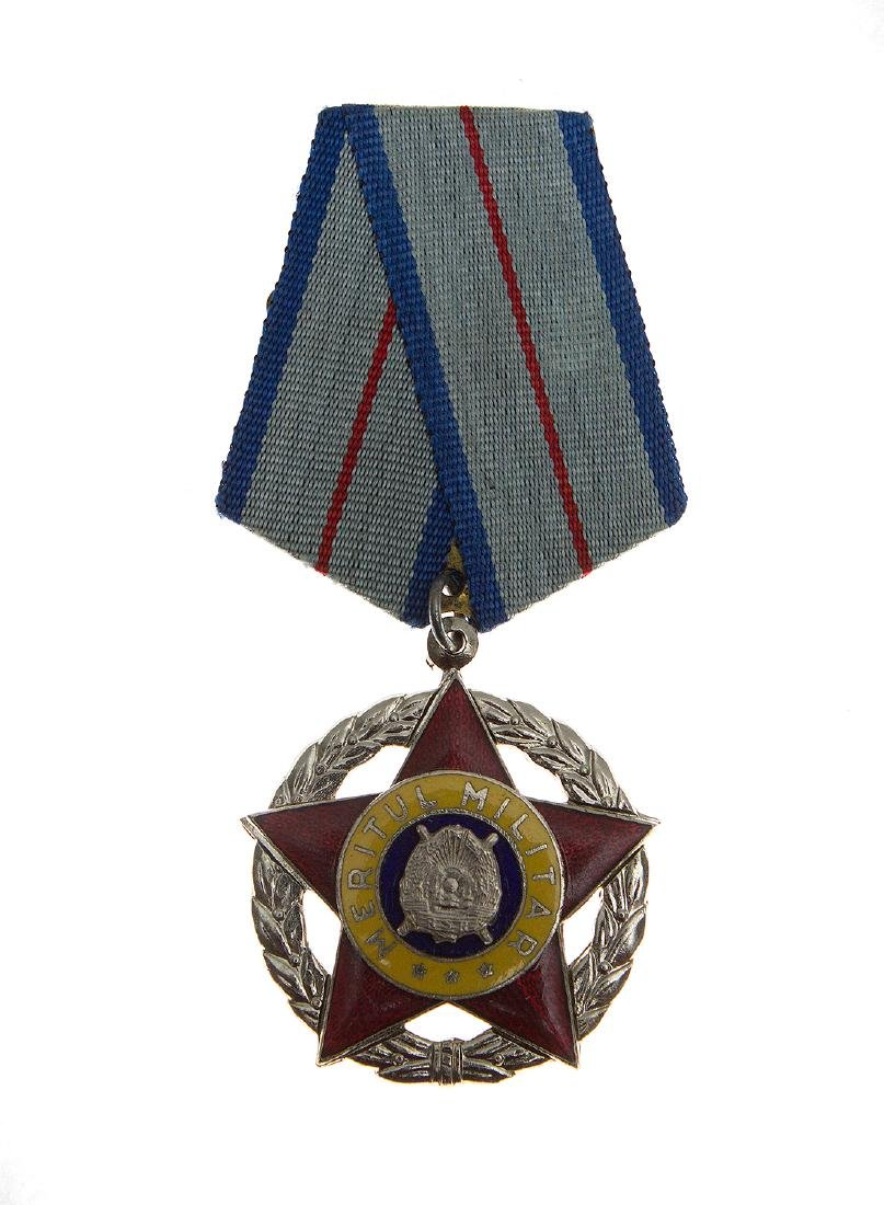GROUP OF SOVIET ROMANIAN ORDERS AND DECORATION - 5