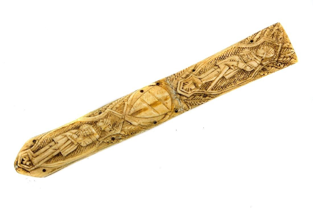 A CONTINENTAL CARVED BONE DAGGER, 19TH CENTURY - 10
