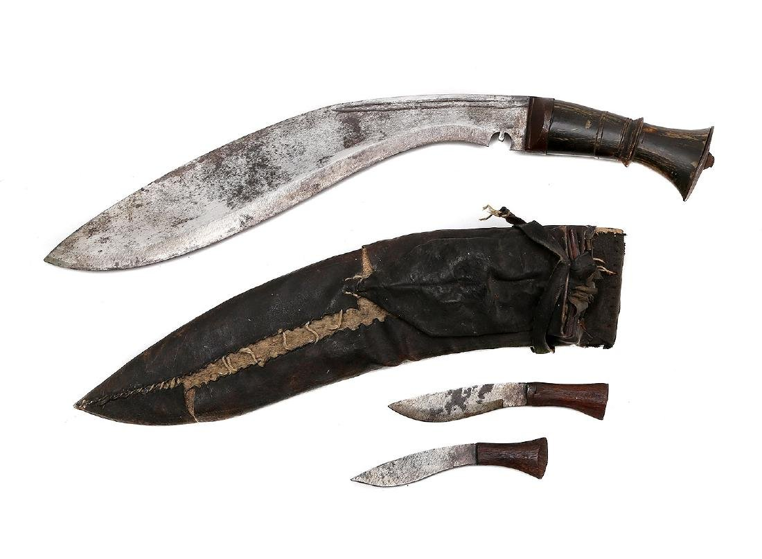 LARGE KUKRI KNIFE WITH HORN GRIP - 2